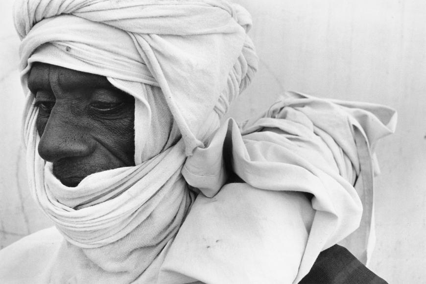 Chester Higgins -  Desert Wind Attire, Mopti, Mali, 1993
