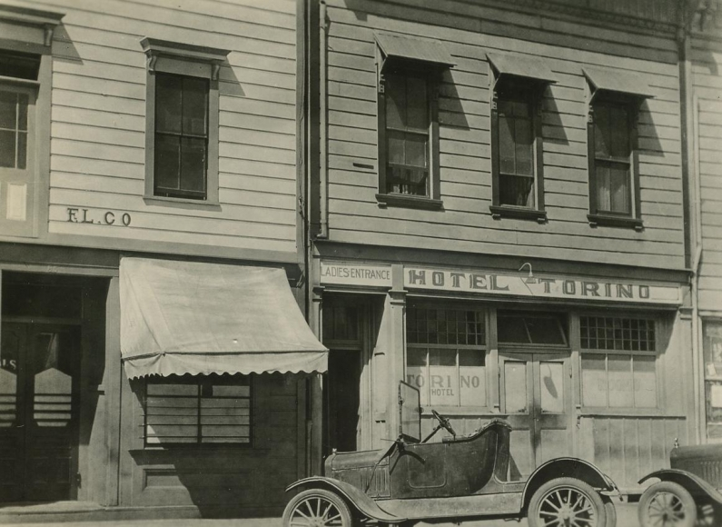 Hotel Torino, Los Angeles, CA, 1926 	Gelatin silver print, printed c. 1926 	3 x 4 inches
