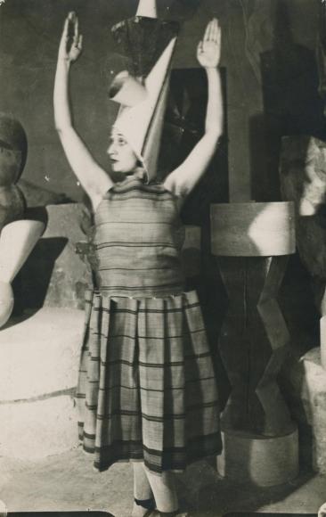 Constantin Brâncuşi - Lizica Codreanu in Brancusi's Studio 2,1922 | Bruce Silverstein Gallery
