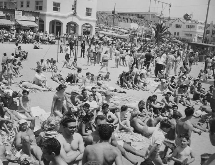Larry Silver - People on Beach, Muscle Beach, Santa Monica, CA, 1954 Gelatin silver print, printed later | Bruce Silverstein Gallery