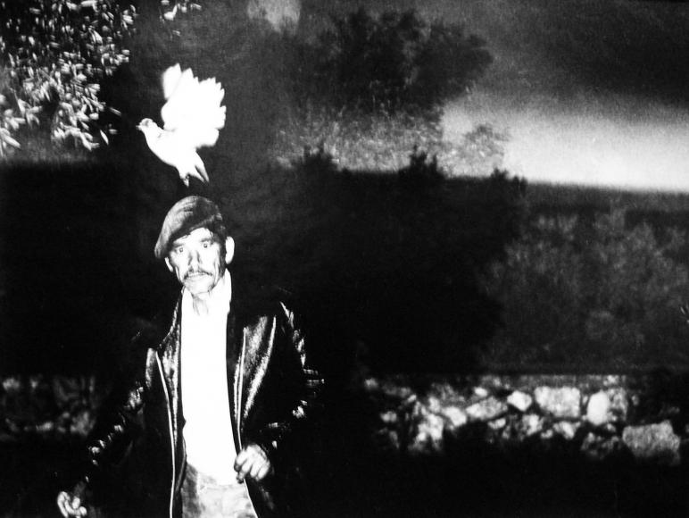 Mario Giacomelli - Il canto dei nuovi emigranti,1984-85(The song of new immigrants) | Bruce Silverstein Gallery