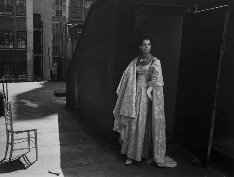 Louis Draper ; Ruby Dee on Roof, New York, c. 1960 Gelatin silver print, printed c. 1960 ; Bruce Silverstein Gallery
