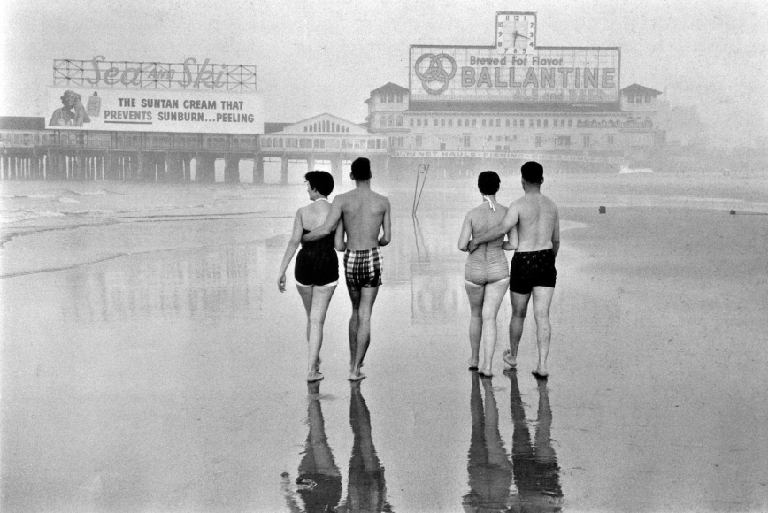 Frank Paulin - Atlantic City, 1955 Gelatin silver print mounted to board, printed later | Bruce Silverstein Gallery