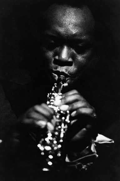 Chester Higgins -  King Curtis at the Apollo, Harlem, New York, 1971