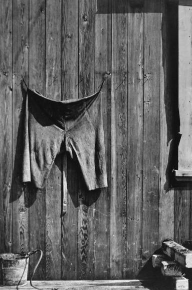 Aaron Siskind- Chilmark 1, 1940  | Bruce Silverstein Gallery