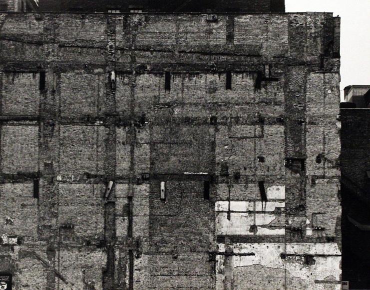 Aaron Siskind - Chicago Facade, 1960  | Bruce Silverstein Gallery