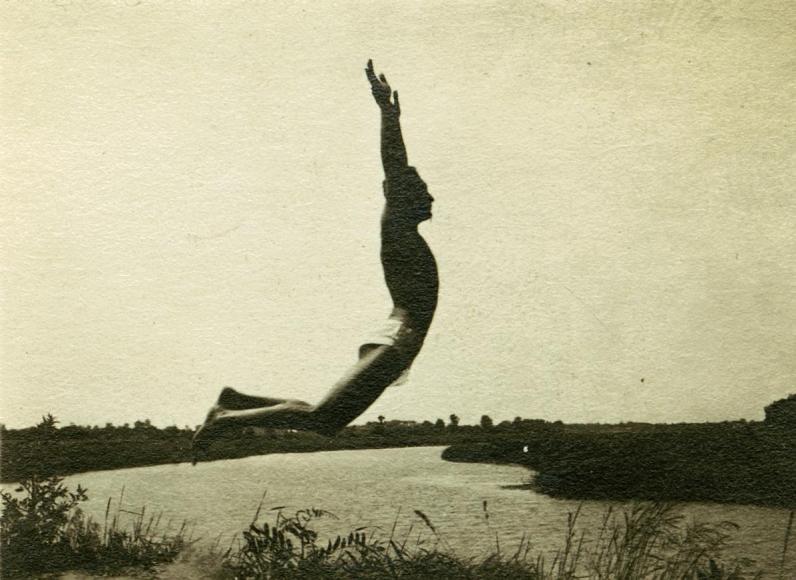 André Kertész - Untitled, 1920 ; Bruce Silverstein Gallery