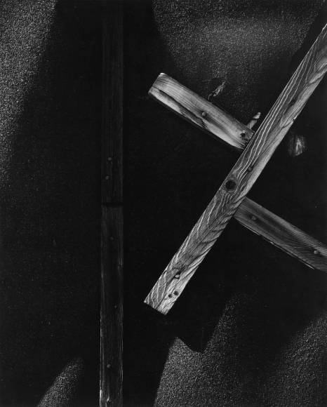 Aaron Siskind Chicago, 1957 Gelatin silver print mounted to board, printed c. 1957. 13 1/2 x 10 1/2 inches