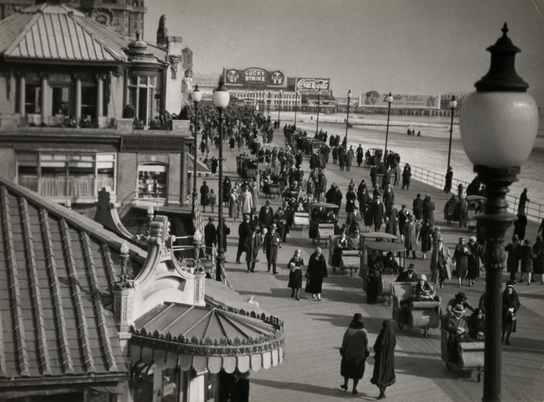 Atlantic City, NJ, 1926 Gelatin silver print, printed c. 1926, 7 x 9 1/2 inches