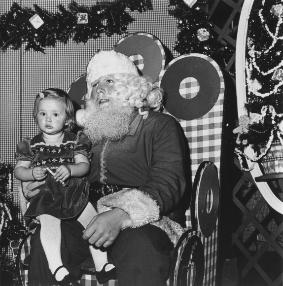 Santa Claus, Northgate Mall, 1975 	Gelatin silver print, printed c. 1977, 	48 x 48 in.