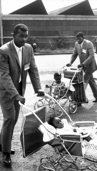 Leonard Freed - Black in White America, Harlem, New York City, 1963  | Bruce Silverstein Gallery