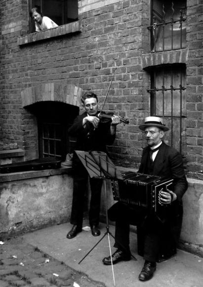 August Sander - Street Musicians, 1922-1928  | Bruce Silverstein Gallery