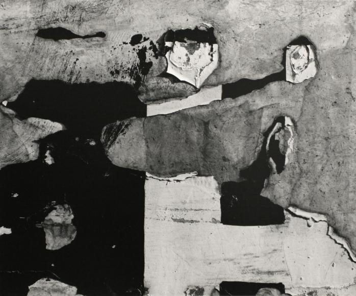 Aaron Siskind- Chicago 45, 1952  | Bruce Silverstein Gallery
