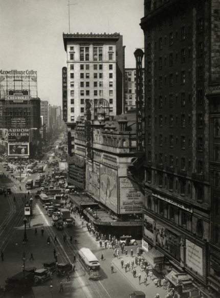 Times Square, 1921 	Gelatin silver print, printed c. 1921 	9 1/2 x 7 1/2 inches