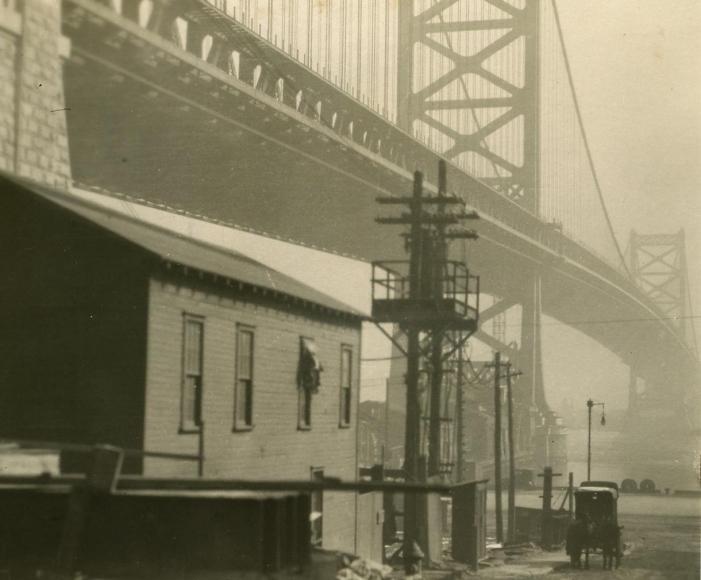 E. O. Hoppé - Bridge and Carriage Philadelphia, Pennsylvania, 1926  | Bruce Silverstein Gallery