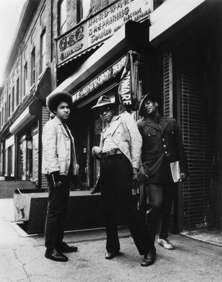 Chester Higgins -  Fashionable teens, Harlem, 1974