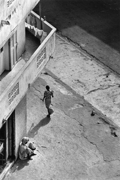 Chester Higgins -  Street Corner, Dakar, Senegal, 1988