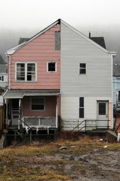 Zoe Strauss - Half House Pink, 2001-2008  | Bruce Silverstein Gallery