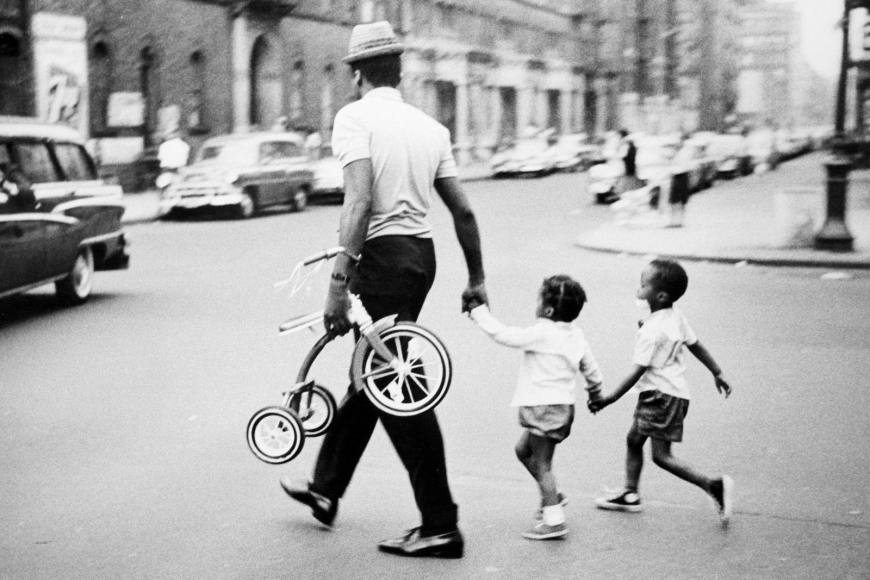 Leonard Freed - Black in White America, New York, 1963  | Bruce Silverstein Gallery