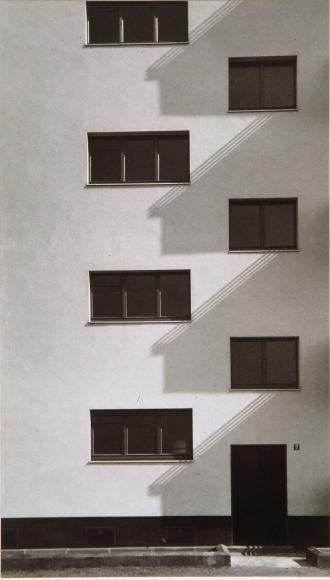 Werner Mantz, Detail Kalkerfeld Settlement, 1928, gelatin silver print, 8 7/8 x 5 inches