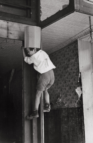 Helen Levitt, New York, c. 1938