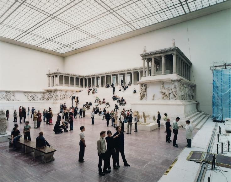 Thomas Struth, Pergamon Museum 1, Berlin, 2001