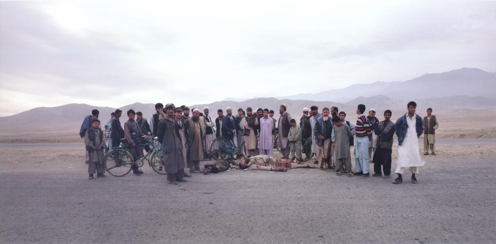Luc Delahaye, Kabul Road, 2001