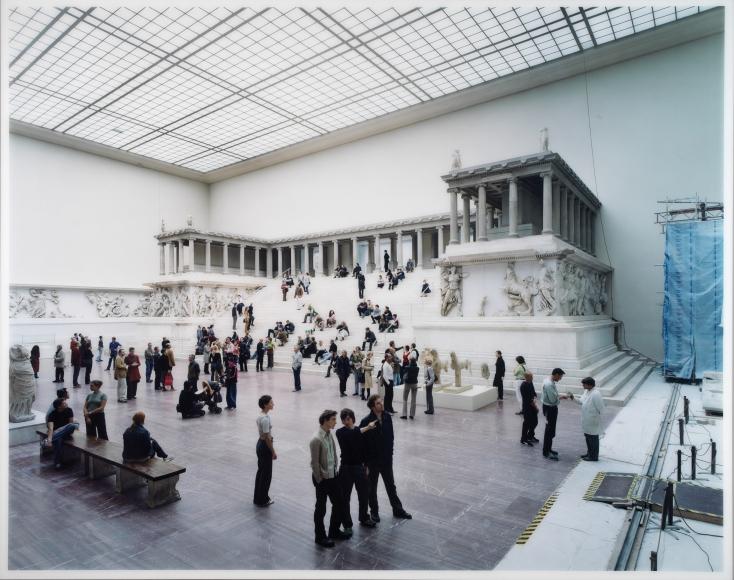 Thomas Struth Pergamon Museum I, Berlin,2001