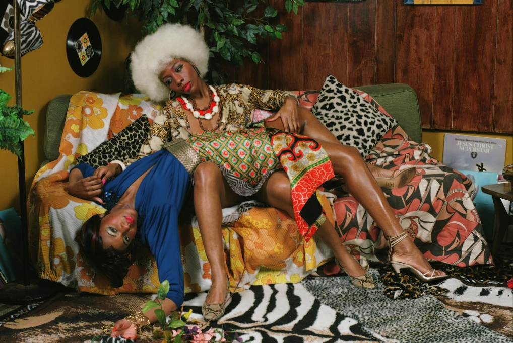 米卡琳·湯馬斯:Mickalene Thomas Photographs and tête-à-tête