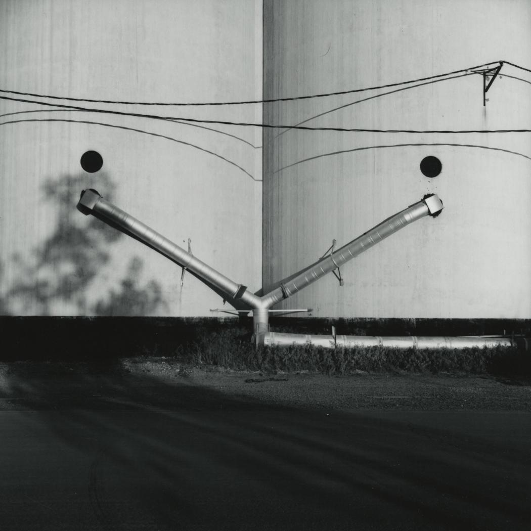 Frank Gohlke, Grain elevator, Dumas, Texas, gelatin silver print, Howard Greenberg Gallery, 2020