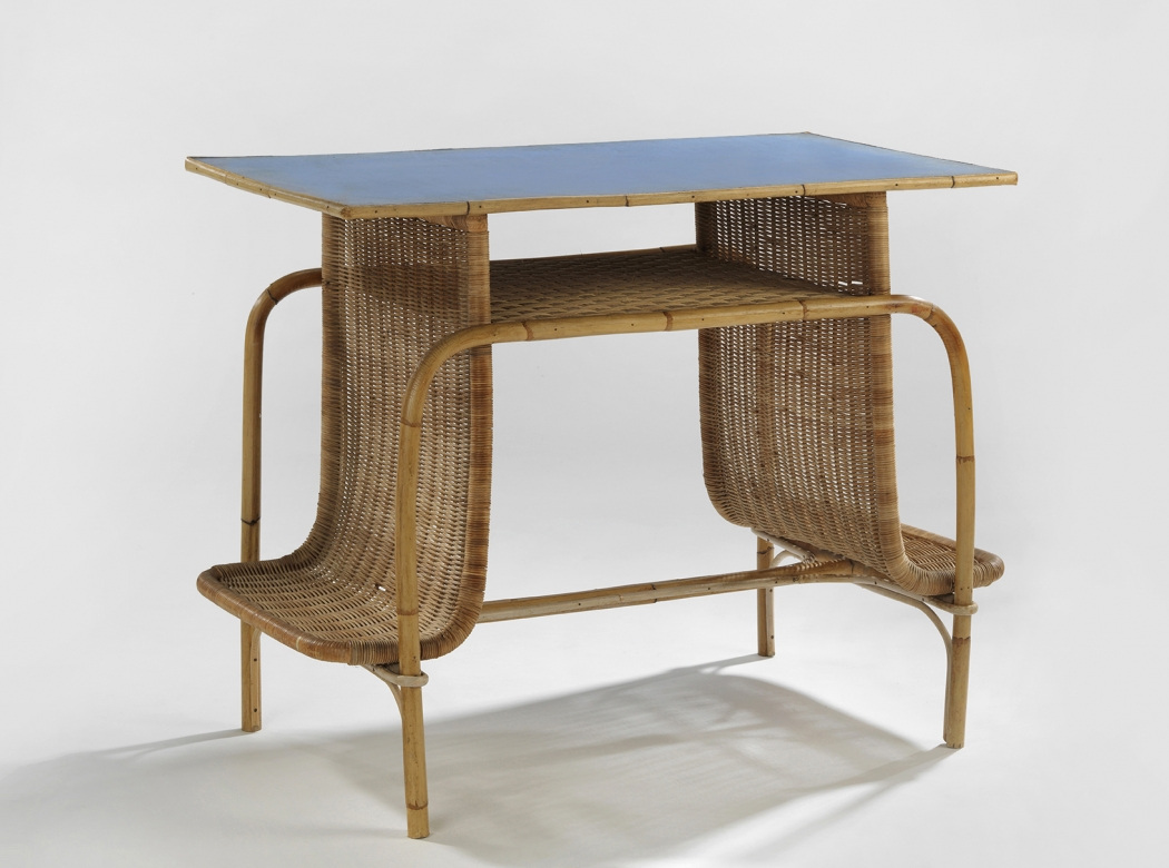 Motte Rattan Desk