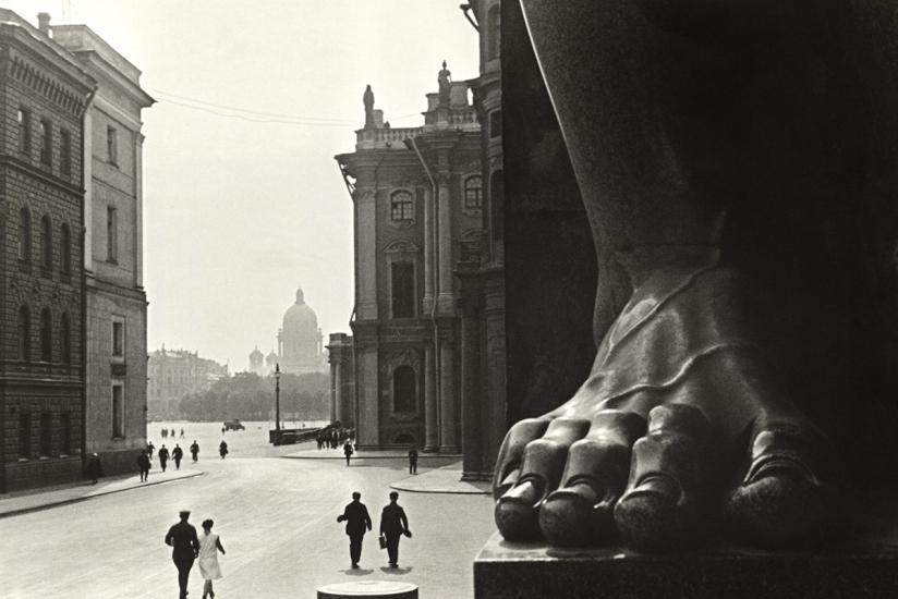 Boris Ignatovich: Master of Russian Avant-Garde Photography