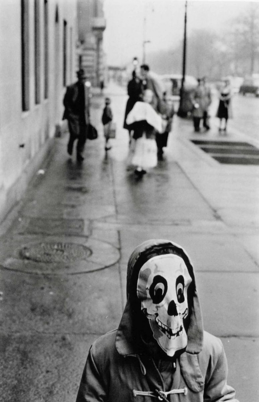Frank Paulin - Mask, New York City, 1956 Gelatin silver print | Bruce Silverstein Gallery