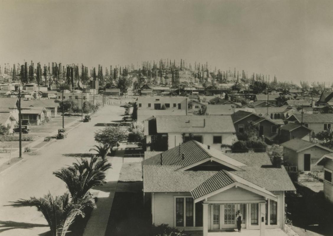 E. O. Hoppé - Signal Hill, Los Angeles, 1926 | Bruce Silverstein Gallery