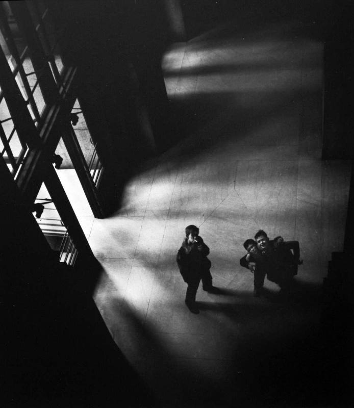 Larry Silver - Penn Station, New York, 1951 Gelatin silver print, printed later | Bruce Silverstein Gallery