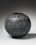 Yagi Kazuo, ca. 1960, black globular vase, Japanese ceramic, Japanese glazed stoneware, Japanese vase with inlaid white slip linear patterning