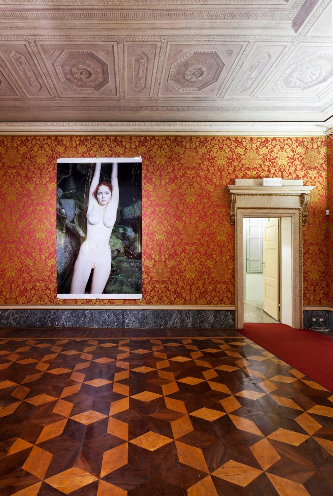 JUERGEN TELLER, Juergen Teller: The Girl with the Broken Nose