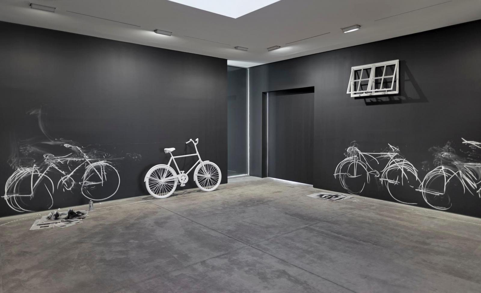 ROBIN RHODE: Borne Frieze Installation view 1