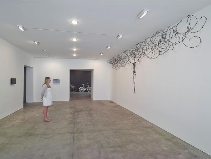 ROBIN RHODE: Borne Frieze Installation view 7