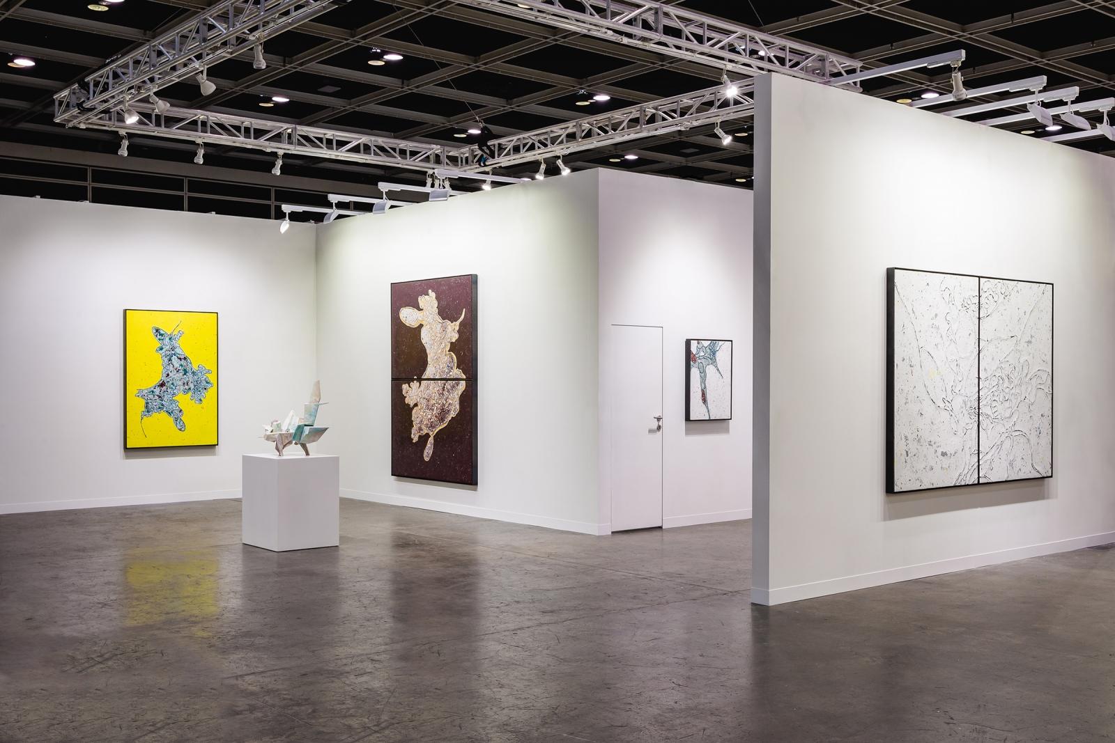 Hong Kong Spotlight by Art Basel 2020, Installation view, Lehmann Maupin, Booth S08