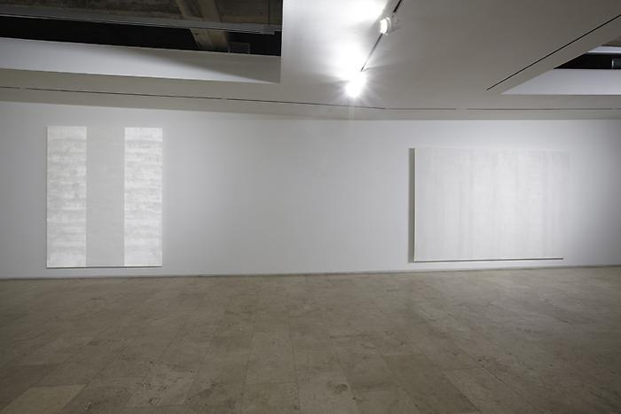 Mary Corse New Work Installation View 3