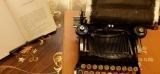 "Il ""retyping"" di Tim Youd Hemingway su due fogli"