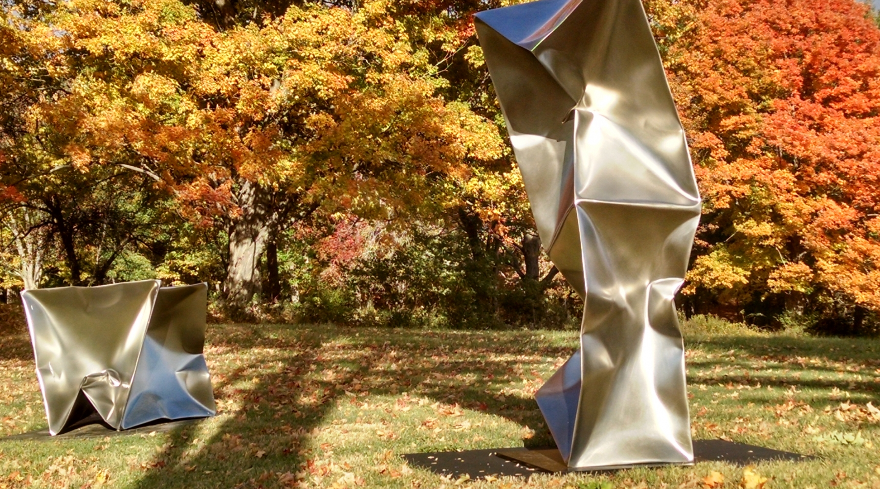 Ewerdt Hilgemann, Imploded Cube and Double NY, 2012-2013, Stainless steel