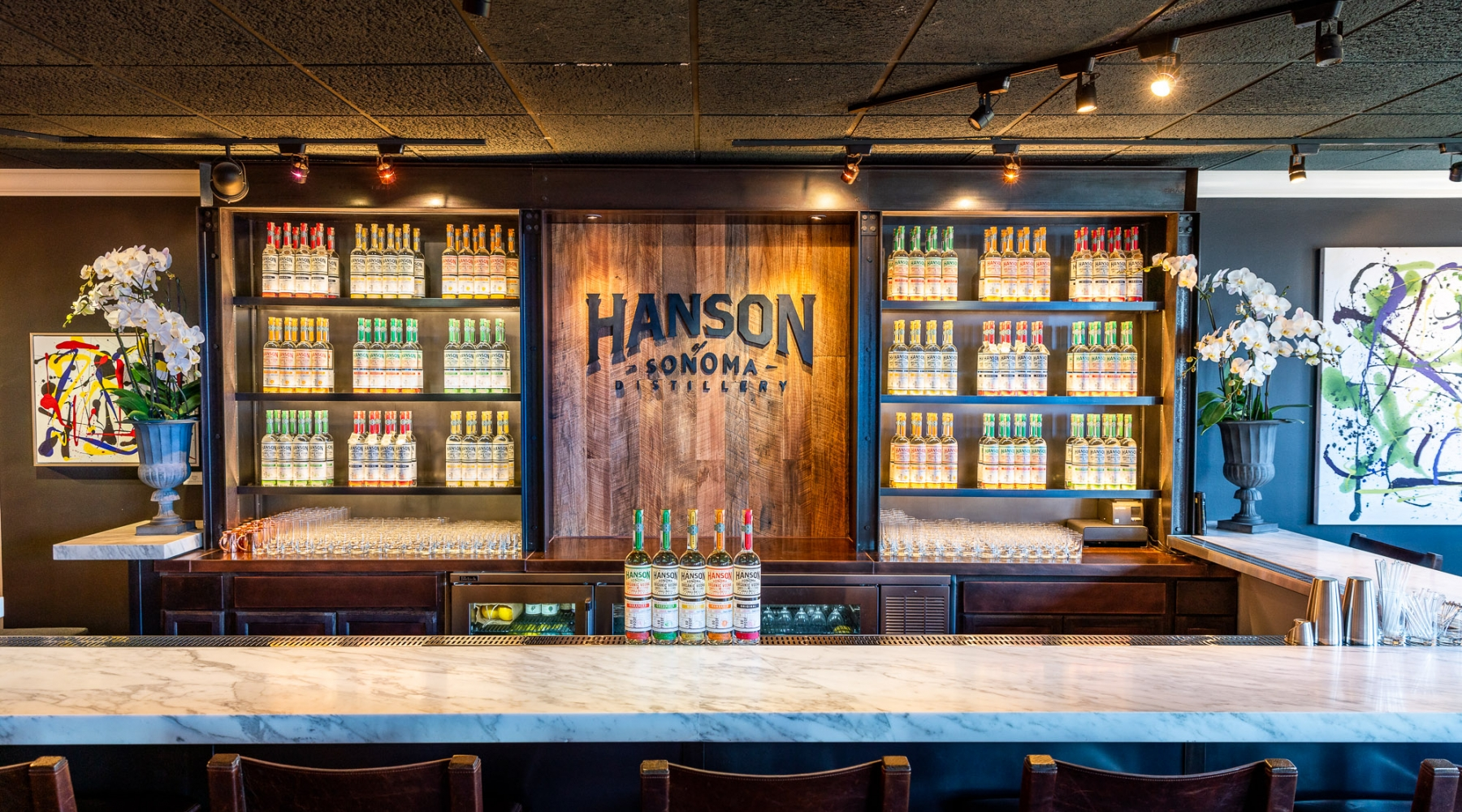Please enjoy a tasting of Whiskey, Vodka or a cocktail in our beautiful tasting room on the Second floor of Hanson Gallery or Outdoors
