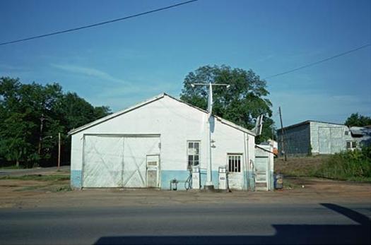 Service Station, Greensboro, Alabama, 1976