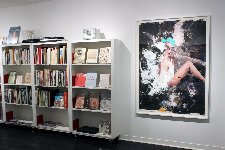 Enoc Perez: Summer Job - installation view