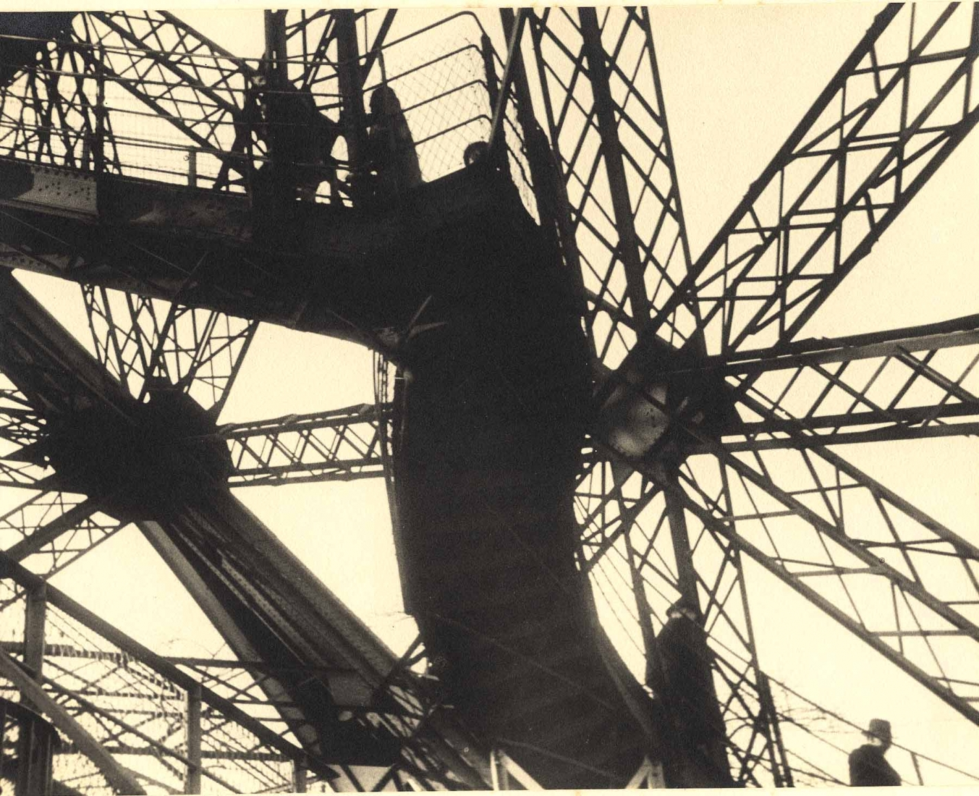Ilse Bing, Eiffel Tower, Paris, 1932