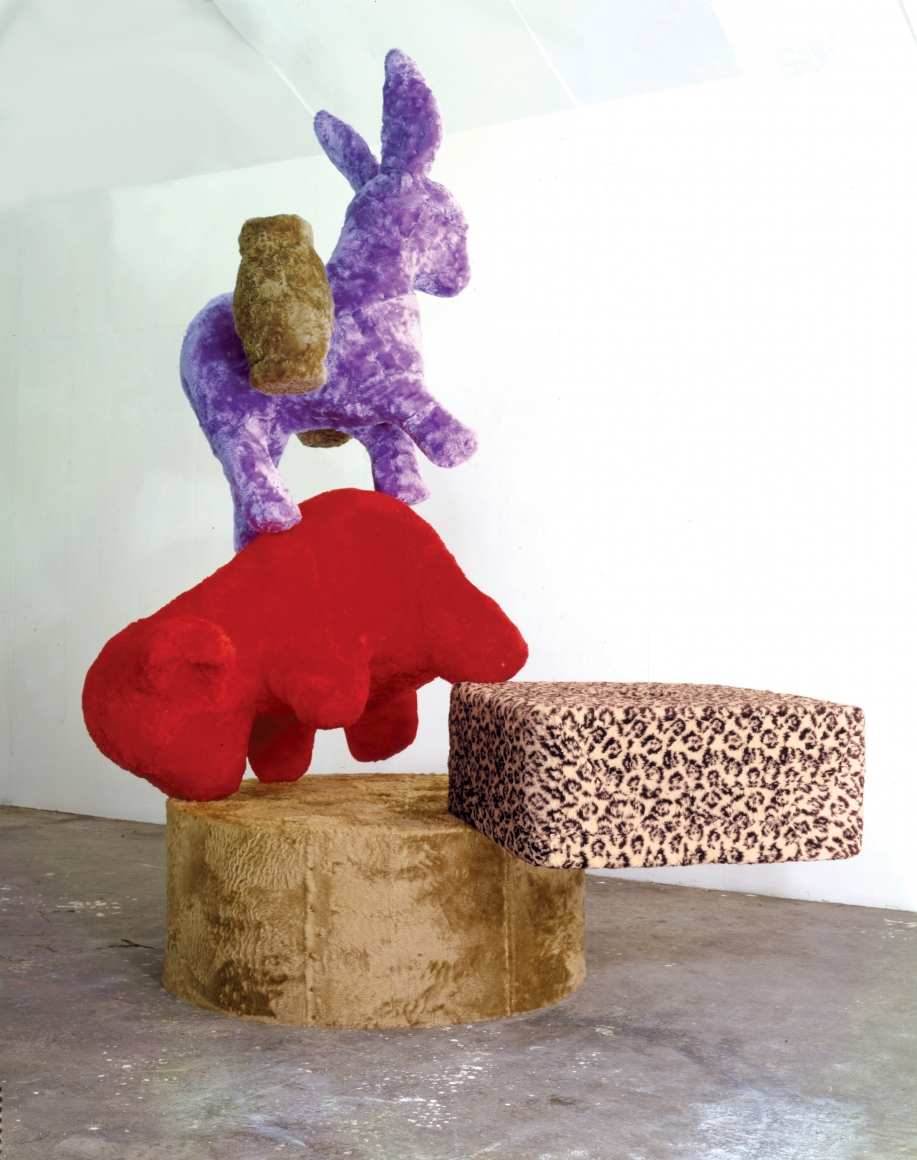 Eric Bainbridge, Occurrence on an Endless Column, 1987, mixed fur fabric, plaster, timber, and steel, 111 × 89 × 55 in.