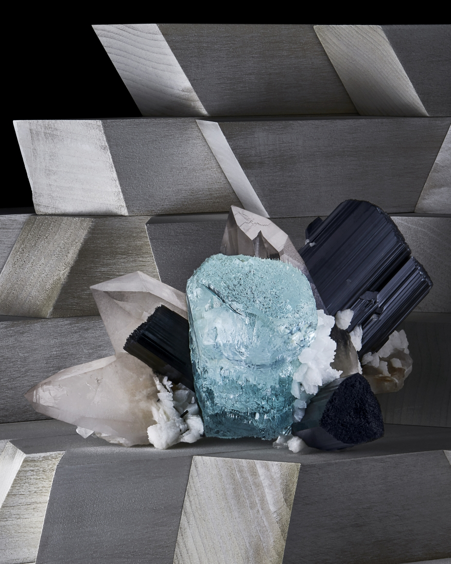 Contrast Exhibition - Aqua