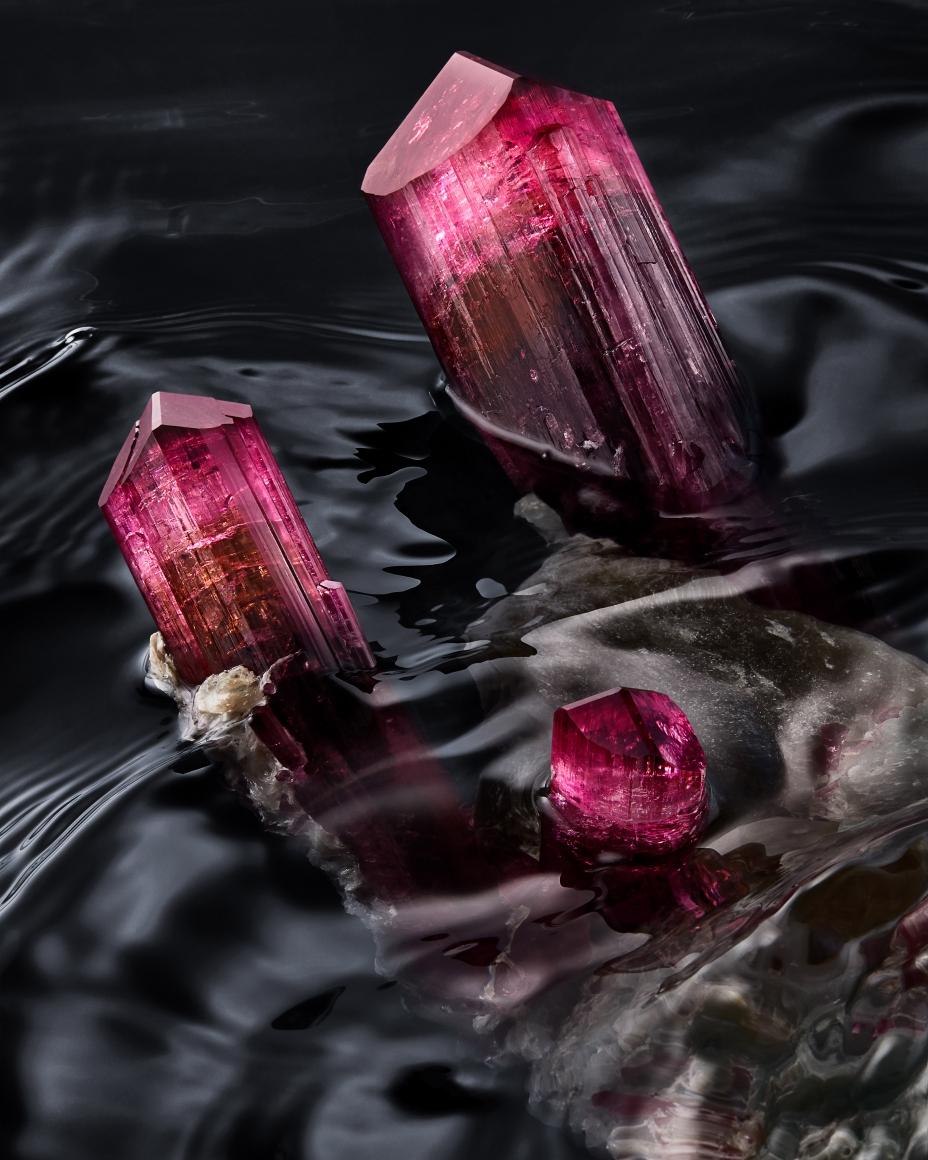 Rubellite detail in water